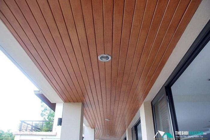 giá gỗ ốp trần nhà
