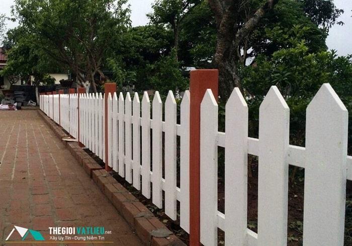 hàng rào gỗ giá rẻ