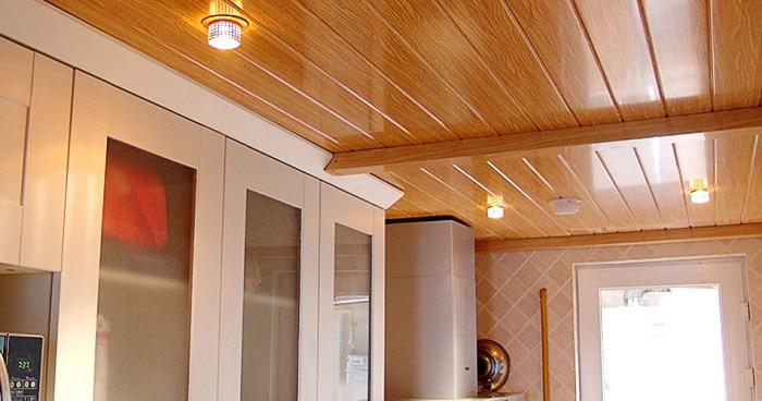 Trần giả gỗ có khả năng chống nước và chịu nhiệt tốt