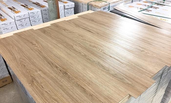 Sàn nhựa giả gỗ có khả năng chống nước và chịu nhiệt tốt