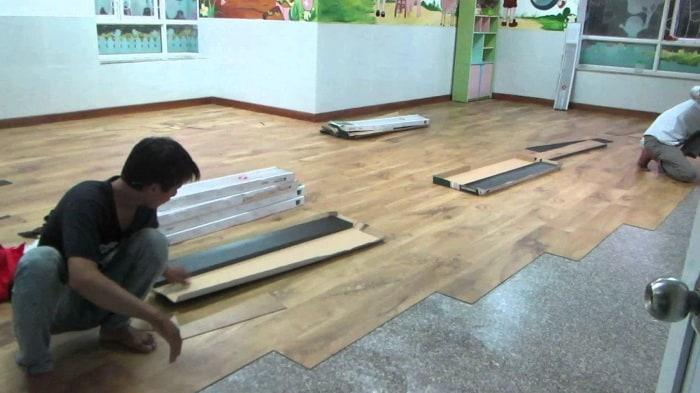 Sàn nhựa giả gỗ có rất nhiều ưu điểm tuyệt vời