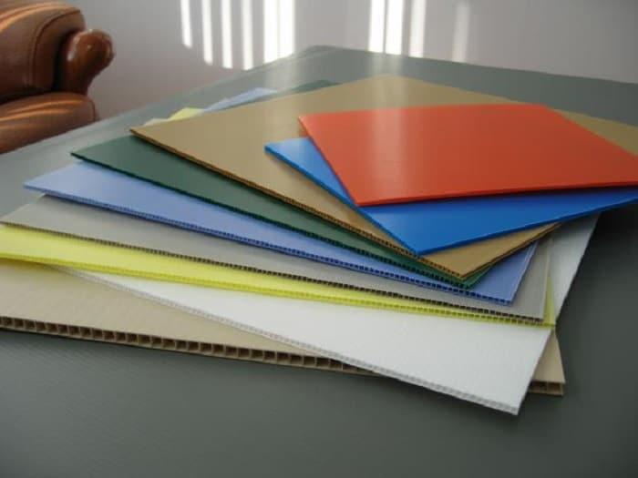 Tấm nhựa PVC có đặc điểm gì khác biệt so với các sản phẩm khác