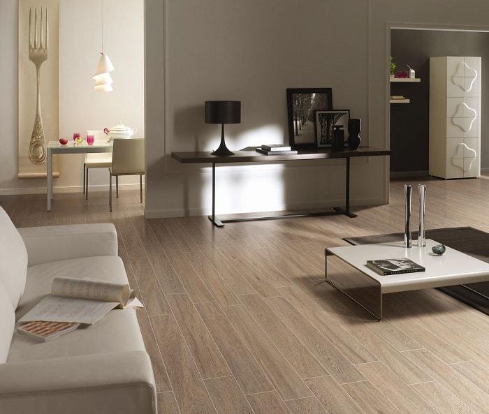 Lát sàn gỗ tự nhiên rất dễdàng vệ sinh, lau chùi