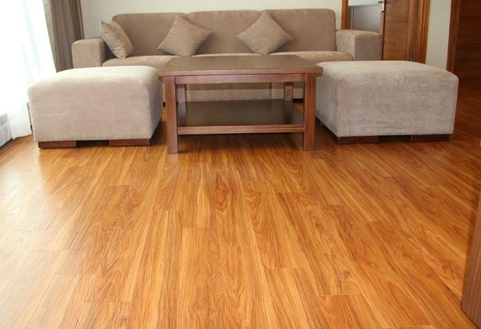 Tại sao nên sử dụnglát sàn gỗ tự nhiên trong nhà có trẻ