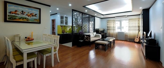 Phong cách nội thất Đông Dương sử dụng sàn gỗ rất sang trọng