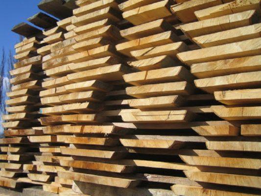 Cùng Vật Liệu Nhà XAnh tìm hiểu cách phơi gỗ không bị nứt nhé