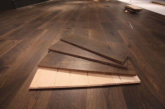 Những tấm gỗ ngấm nước cần được phơi khô