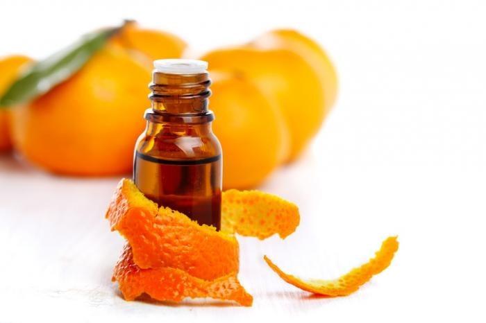 Tinh dầu cam có khả năng xua đuổi côn trùng, mối mọt rất tốt