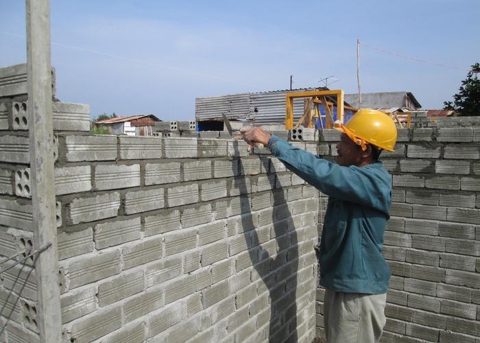 Liên hệ ngay với Vật Liệu Nhà Xanh để được tư vấn về chi phí xây dựng nhé