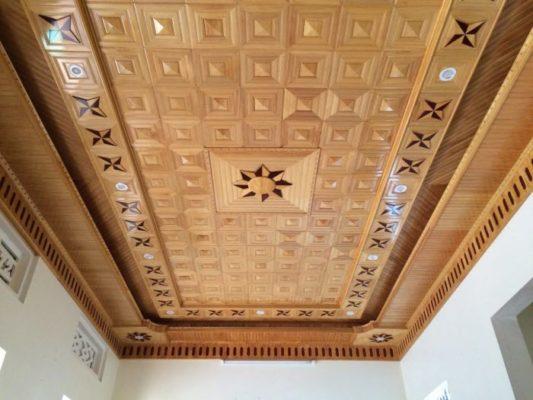 8 mẫu trần gỗ phòng khách