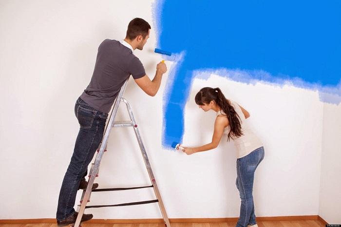 Dùng sơn chống thấm cho tường nhà vệ sinh cũng là giải pháp